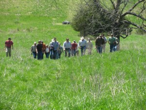 Grazing School participants check out Green Pasture Farm, May 2011