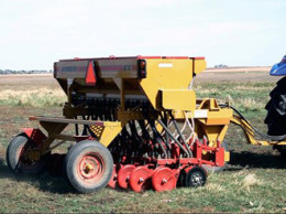 Here's the Haybuster 107 no till drill for rent from Richard Parrott. If you're near Buhl, Idaho, click on over to find out how to rent it.