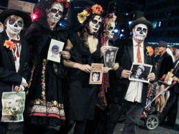 The All Souls Procession in Tucson is a celebration and mourning of the lives of loved ones who have passed. Credit: Kathleen Dreier.